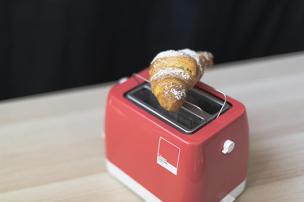 pantone tostapane.jpg